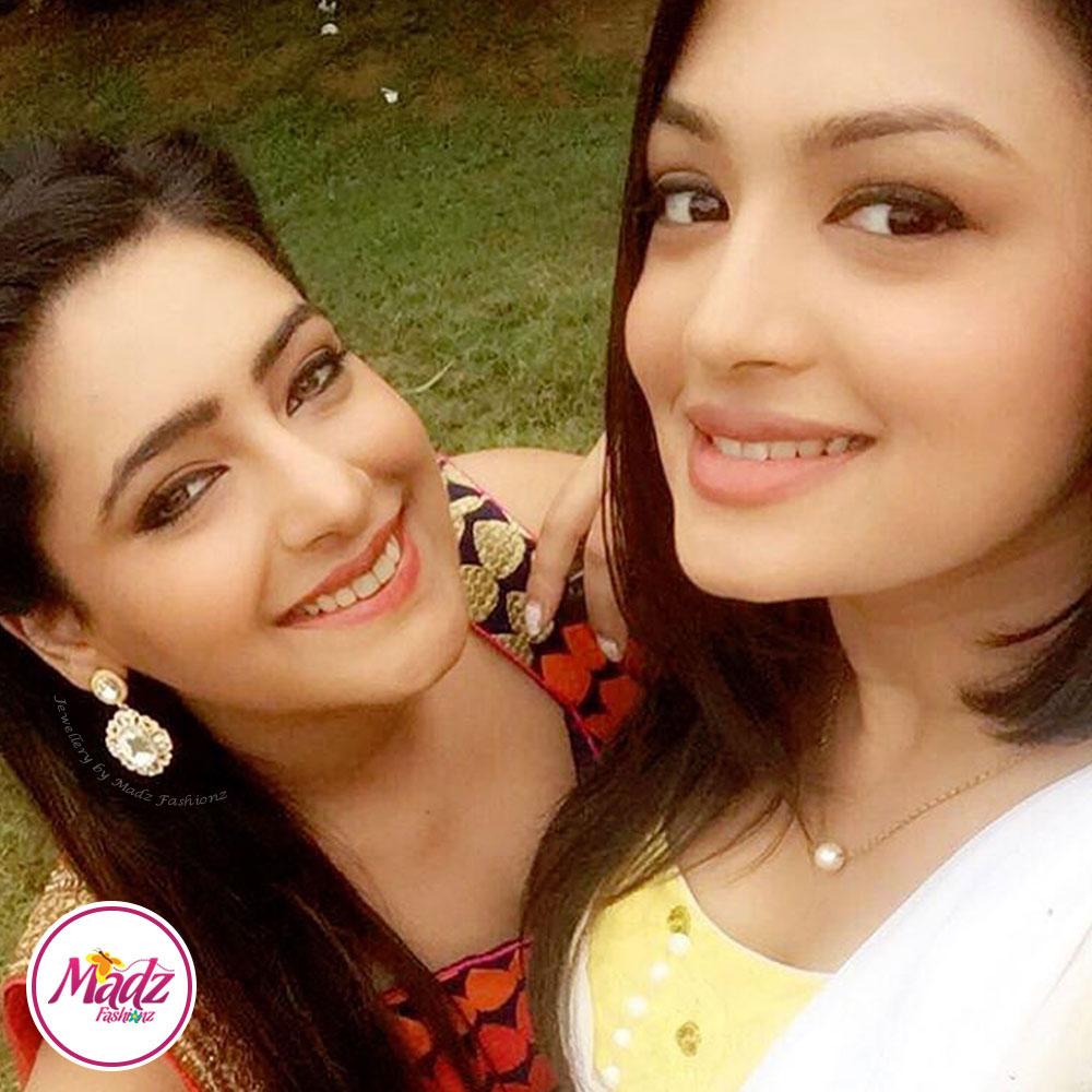 Madz Fashionz Blog: Shiny Dixit aka Nehal from Zindagi Ki Mehek Wearing Madz Fashionz Earrings 2
