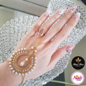 Madz Fashionz UK: Hennabyang Asian Bespoke Kundan Handchain Slave Bracelet Gold Pearl White 2